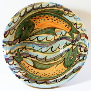 fish swimming bowl
